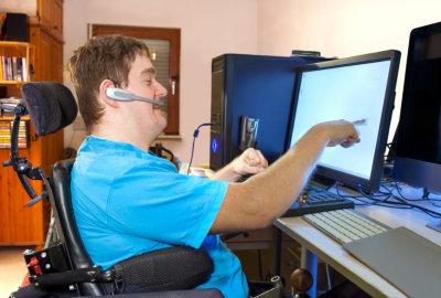 teen using desktop